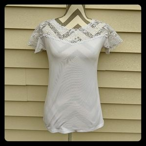 White lace top t-shirt